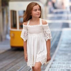 6935 Sukienka biała z okrytymi ramionami z haftami